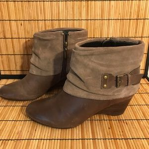 Clark's Artisan Tan Suede Leather Short Boots